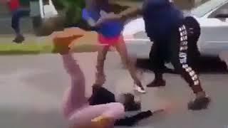 Girls fight   in  Africa