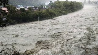 Ravi river on its boom in Himachal's Chamba, Landslides on roads also creates feary atmosphere