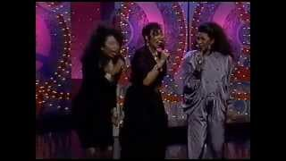 The Pointer Sisters  -Santa Clause Is Coming To Town