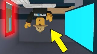 OMG! HACKING UPSIDE DOWN (Roblox Flee The Facility)