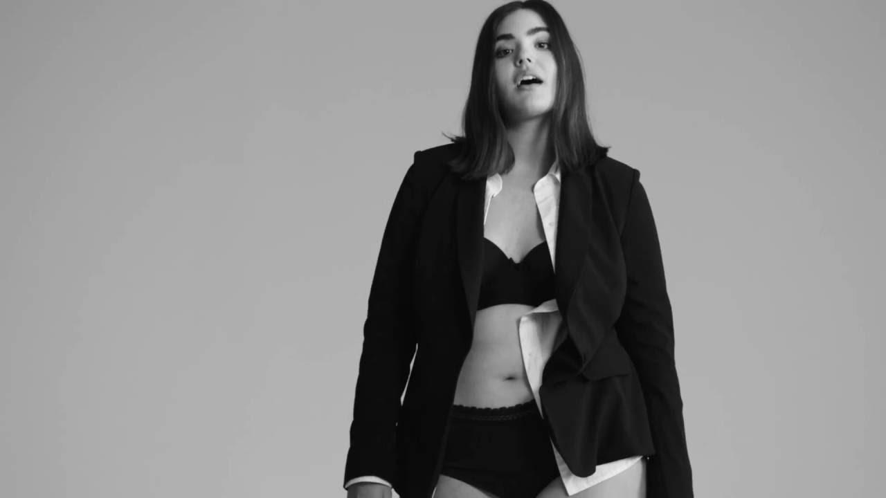 Alessandra Garcia-Lorido Nude Photos 89