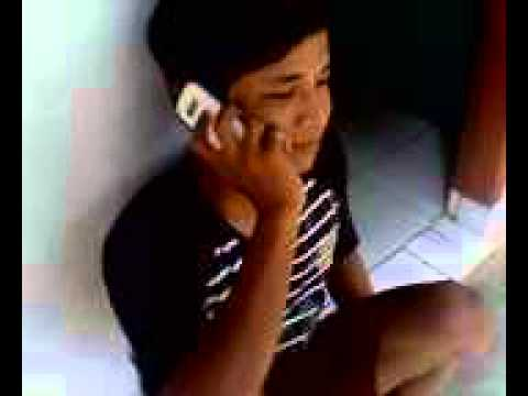 lagi telepon pacar