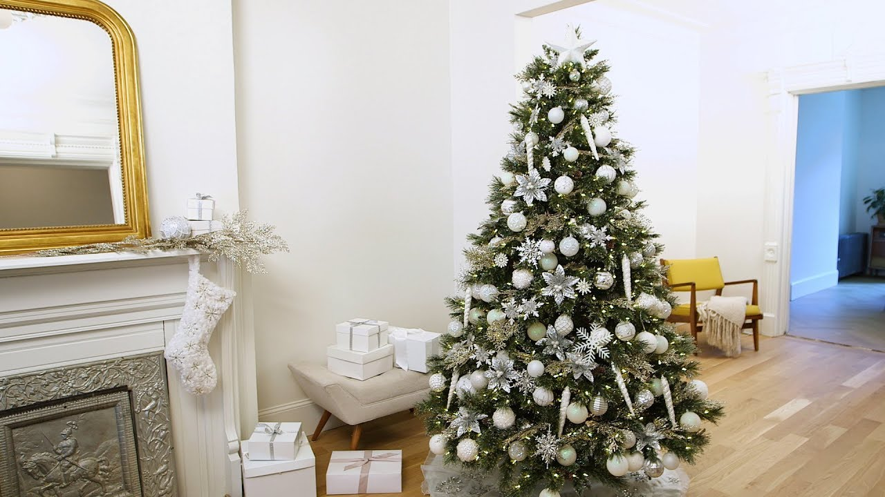 How to Decorate Your Christmas Tree in Winter White- Martha Stewart ...