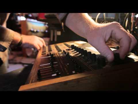 Pat Mastelotto tells a Mr. Mister LINN Drum tale: Worm Hole 01