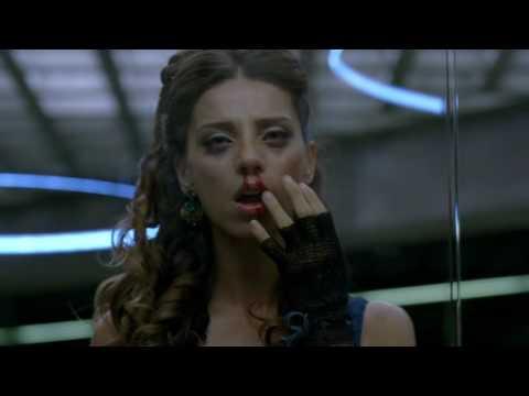 [Westworld] Clementine fights back