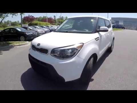 Walkaround Review of 2014 Kia Soul 94228B
