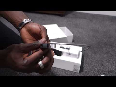 Google Glass: Explorer Edition Unboxing (UK version)