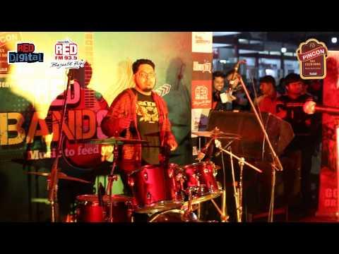 Red Bandstand Kolkata - Paras Pathar