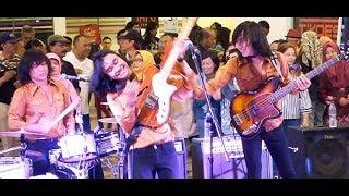 Berjumpa Lagi (Koes Plus) ★ Goyang Asyik Bareng T-Koes Band @ Plaza Blok M (14/08)