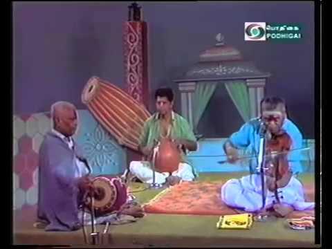 Kunnakudi Vaidyanathan  Violin - Thalapathy Film Song - Rakkamma Kaiyathattu - Courtesy Pothigai TV
