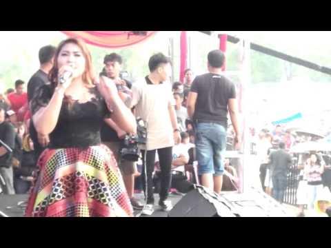 Wiwik sagita - Ngelali New Palapa Live in Ponorogo