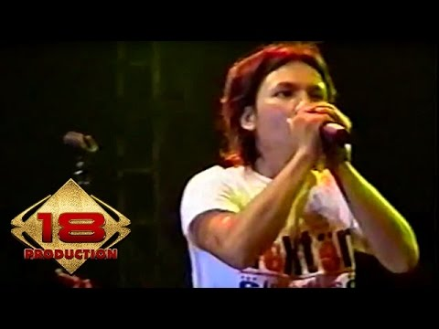 Caffeine - Hidupku Kan Damaikan Hatimu  (Live Konser Pekalongan 18 Agustus 2006)