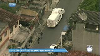 Baixar Balanço Geral flagra invasão da polícia para recuperar carga roubada em comunidade