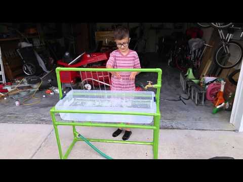 Pvc water table youtube for Diy sand and water table pvc
