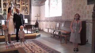 Olivia Olsens sjunger Chris Medinas what are words i Funbo kyrka.