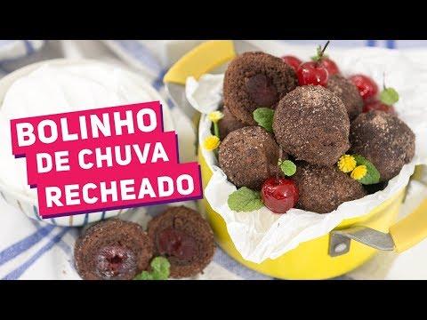 BOLINHO DE CHUVA FLORESTA NEGRA (Bolinho de chuva de chocolate recheado) - Receitas de Minuto #365