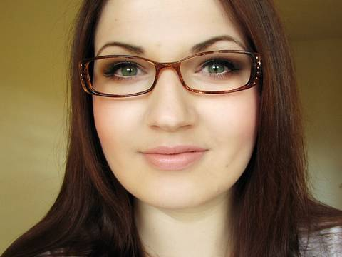 Makeup Tutorial for Glasses & Contact Lens Wearers