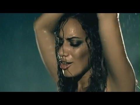 Leona Lewis   Bleeding Love Valentine's Day Karaoke  (official video FM-Express)