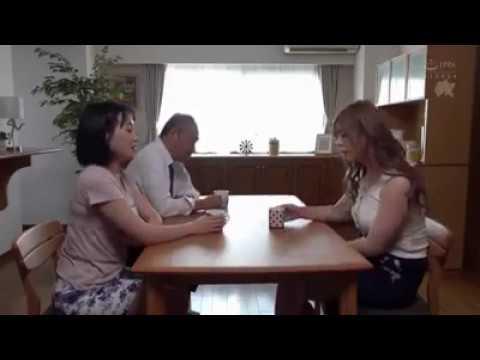 Musim panas Kakek Ini Malah Kesempatan Main Ranjang Lihat Aksi Kakek Ini (Film Japannes-Indonesia).