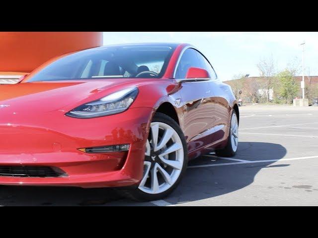 Tesla Model 3 Event In Montréal!