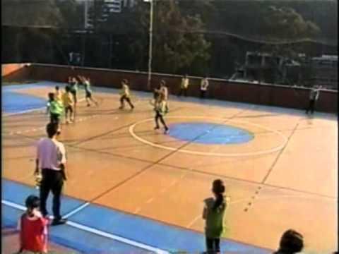 Jogo de quadribol na aula de Educação Física escolar - YouTube 3537e93081f01