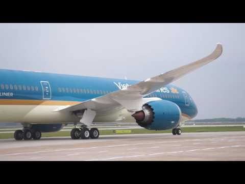 Vietnam Airlines - B787 Dreamliner arrived at Noi Bai International Airport