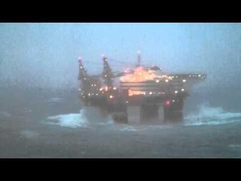 Flotel Superior i storm 04 09 2012