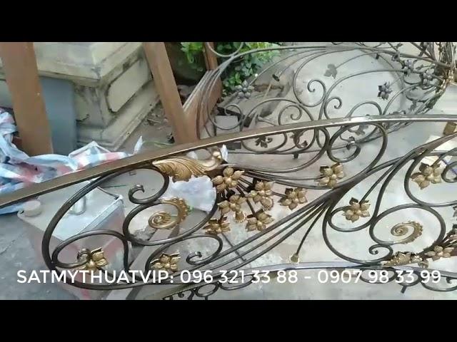 Cầu thang lan can sắt nghệ thuật gia công tại xưởng