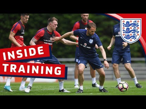 Southgate joins in & England's strikers are on fire | Inside Training