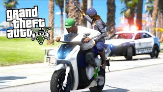 GTA 5 Mods - Picking Up Girls in a Scooter and Escaping Cops!! (Evade Gameplay)
