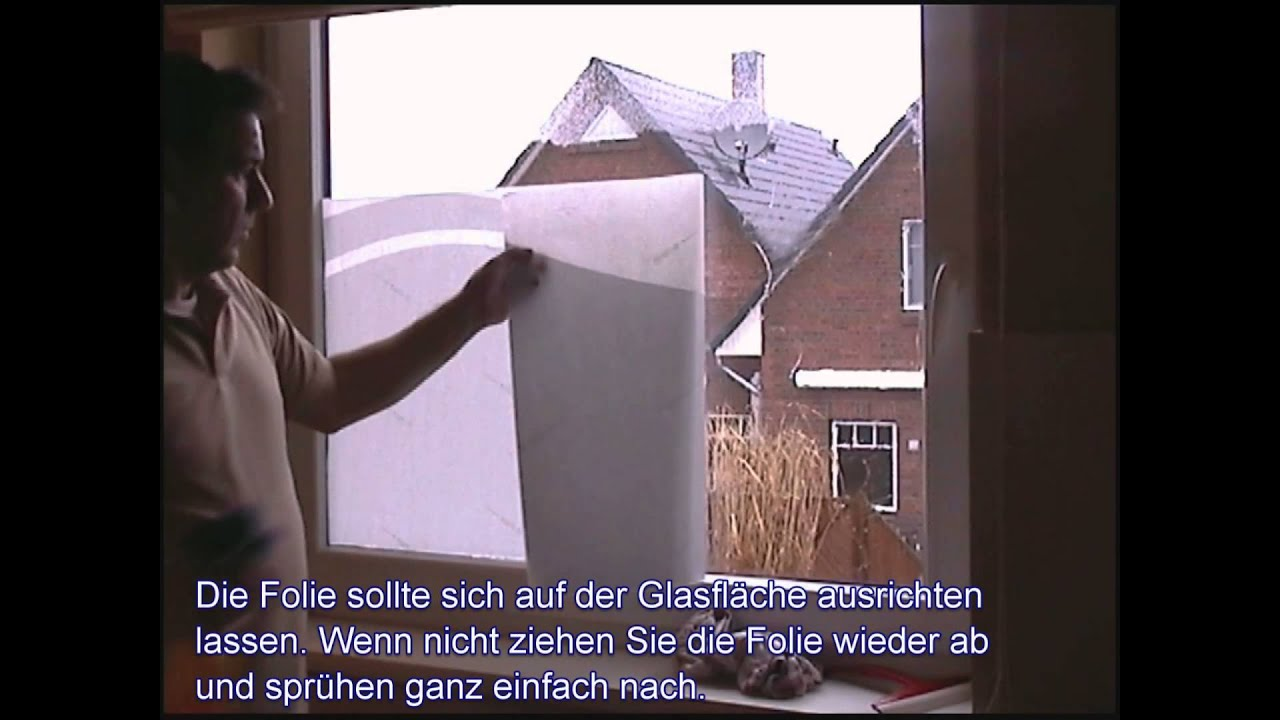 montageanleitung fensterfolie im bad wc oder b ro als sichtschutz youtube. Black Bedroom Furniture Sets. Home Design Ideas