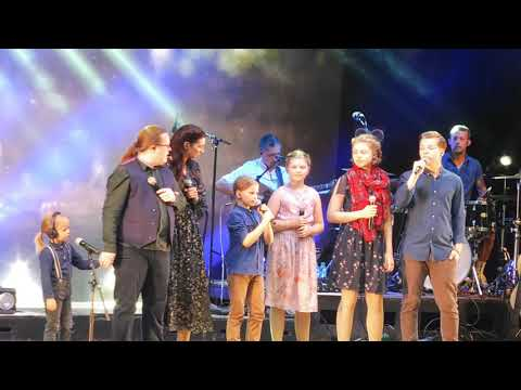 "Angelo Kelly & Family 04.07.19 Dinslaken ""What A Wonderful World"""
