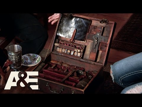 Storage Wars: Miami: Greg and Lindsey's Vampire Hunting Kit (Season 1, Episode 7) | A&E