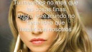 Fergie Glamorous al español