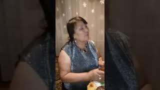Мама поет сыну очень Душевную песню !!!