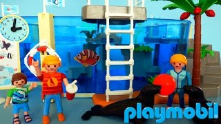 PLAYMOBIL Family Fun Sea Aquarium 9060 Unboxing and Playing | In the Zoo