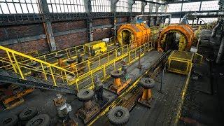 Huge Abandoned Coal Mine with Cart Roller Coaster!