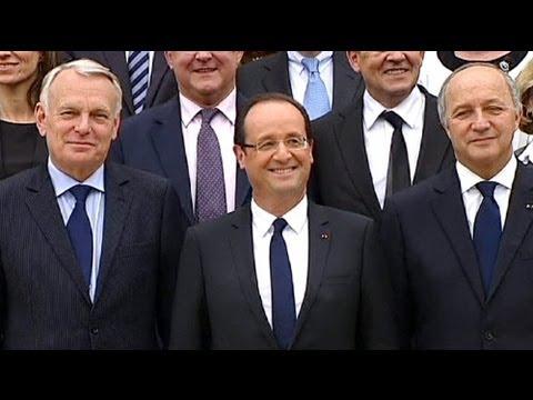 Francia: niente supertassa per i ricchi