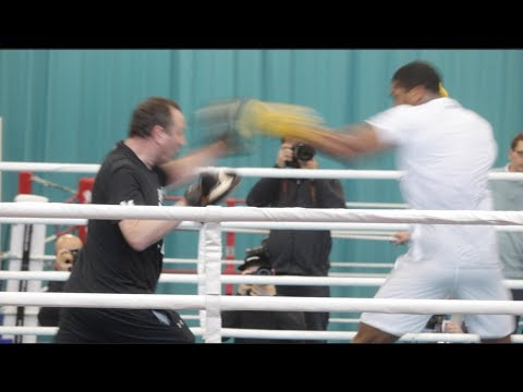 ABSOLUTE BEAST!! ANTHONY JOSHUA EXPLOSIVE PAD WORK W/ TRAINER ROB McCRACKEN ---- IN CAMP SPECIAL----