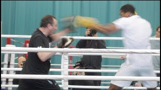 ABSOLUTE BEAST!! ANTHONY JOSHUA EXPLOSIVE PAD WORK W/ TRAINER ROB McRACKEN ----- IN CAMP SPECIAL----