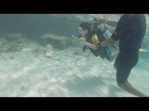Maldives 2017 Ema 7 years old first diving snorkeling - Olhuveli Sun diving school