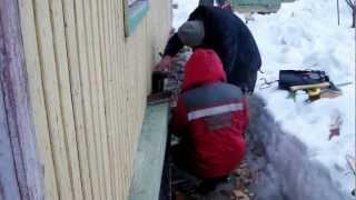 засунуть венец(Замена венца под щитовым домом., 2013-03-05T18:53:31.000Z)