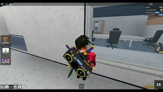 Roblox MM2 HOW TO GLITCH INTO ANY WALL!