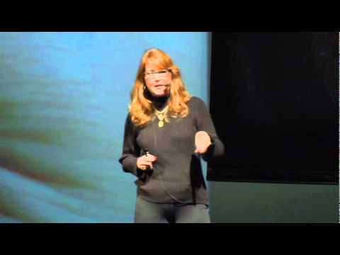 Ali Carr-Chellman: Gaming to re-engage boys in learning - YouTube