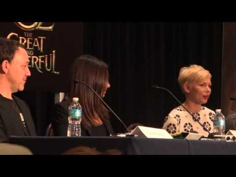 SDCC 2012: Oz: The Great and Powerful Press Conference (Part 2/3)
