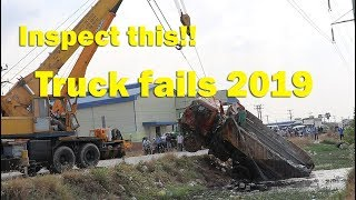 Please inspect this accident recovery in busy road & Use 2 crane recovery (Full videos)
