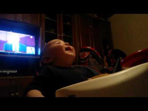 Ребенок, заразный смех