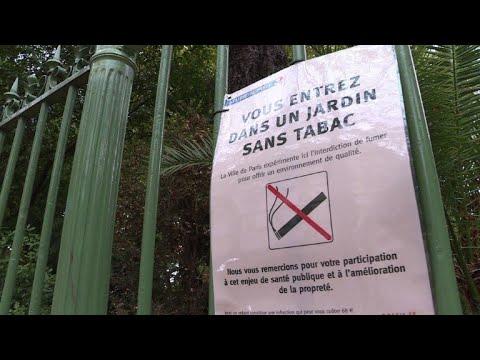 A Paris, les parcs sans tabac divisent