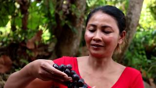 Survival skills: Find food in wild & meet nature grapes for eat - Nature grapes eating delicious #58