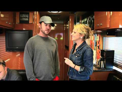 Rosie Maria interviews David Nail